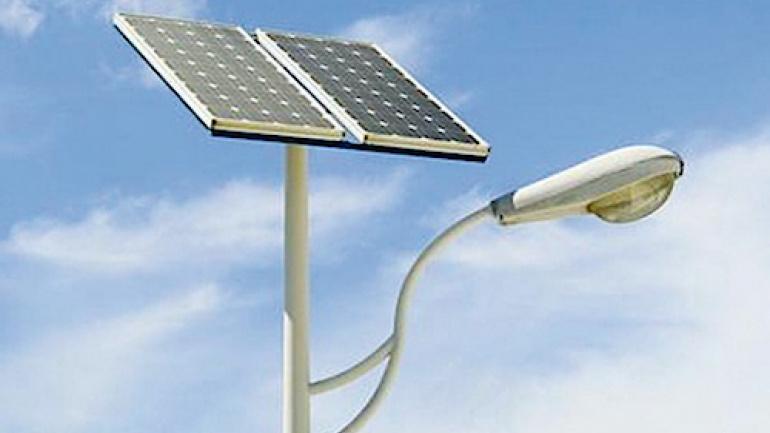 Énergie solaire : L'éclairage public solaire via des lampadaires autonomes en énergie.